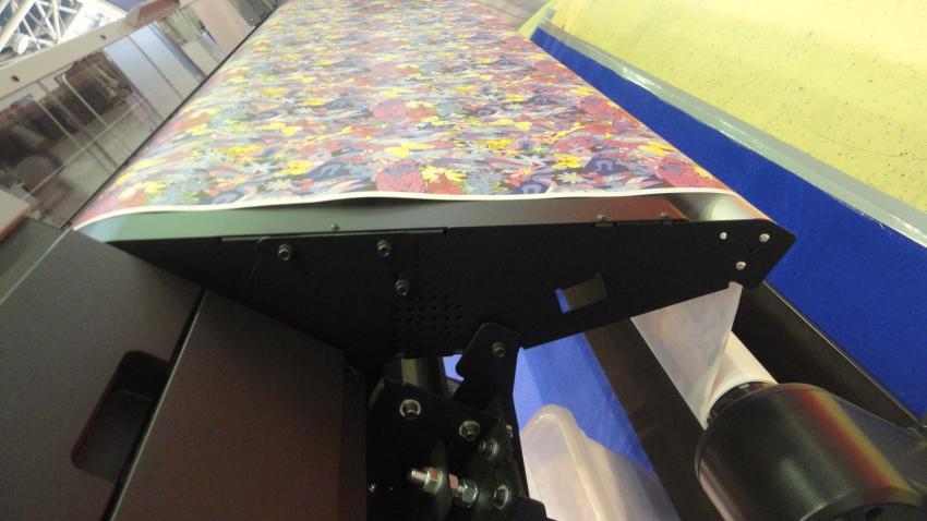Бестселлер сублимационной печати Epson SC-F9400H на стенде компании «Текстиль и Технологии»